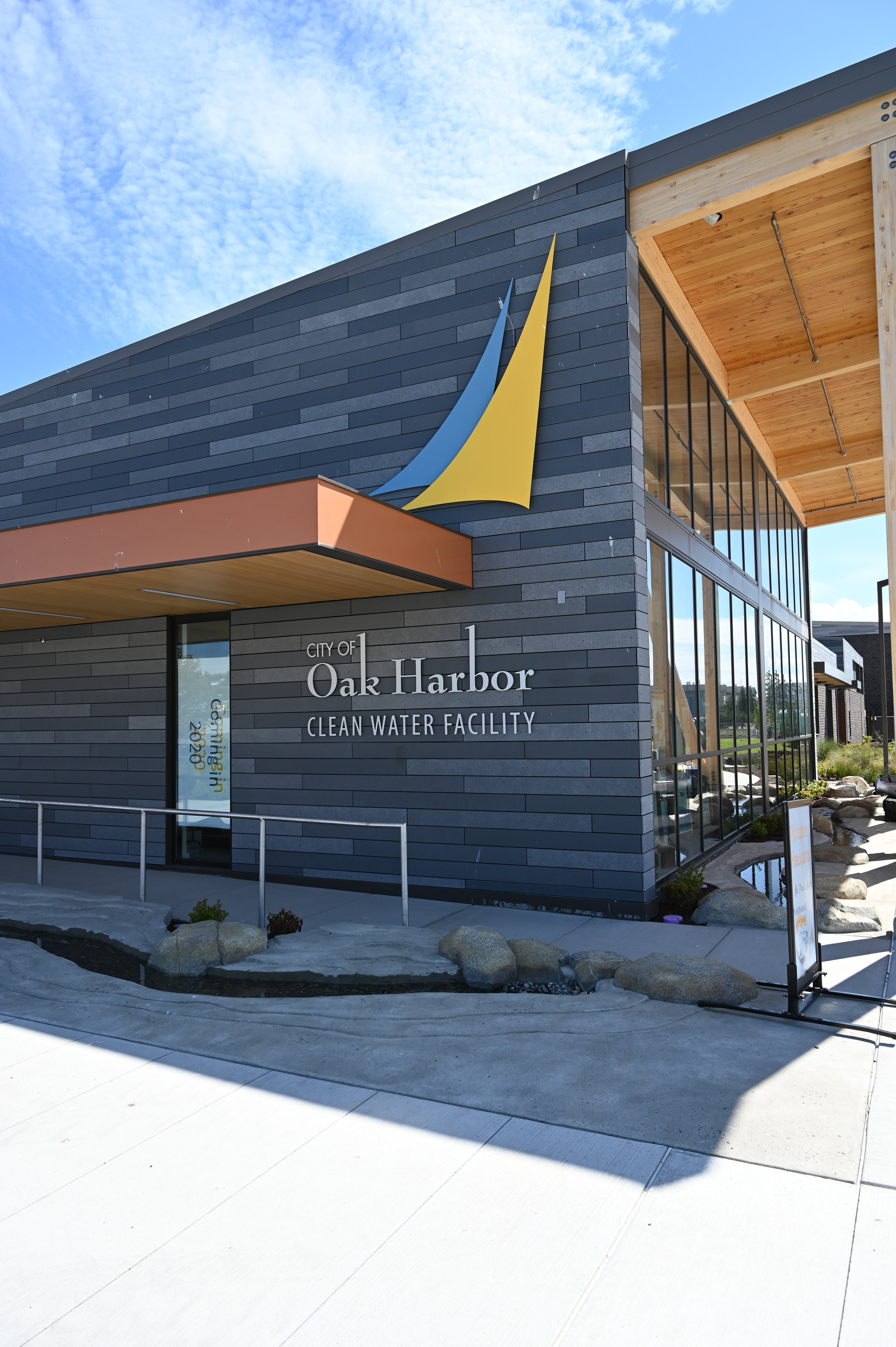 Oak_harbor_clean_water_facility_visitor_center.JPG