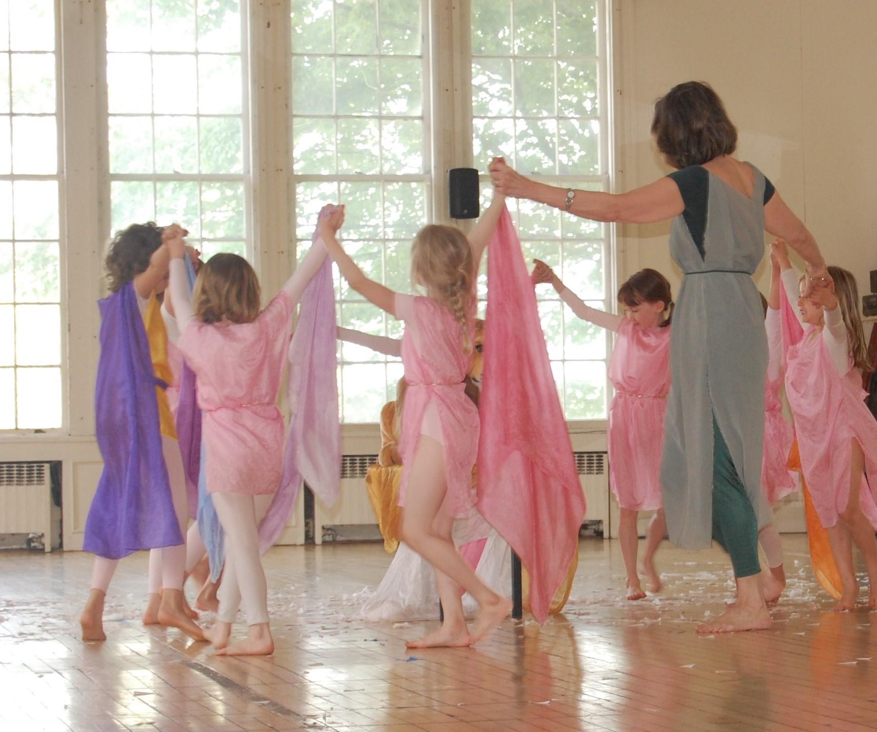 Isadora Duncan Dance