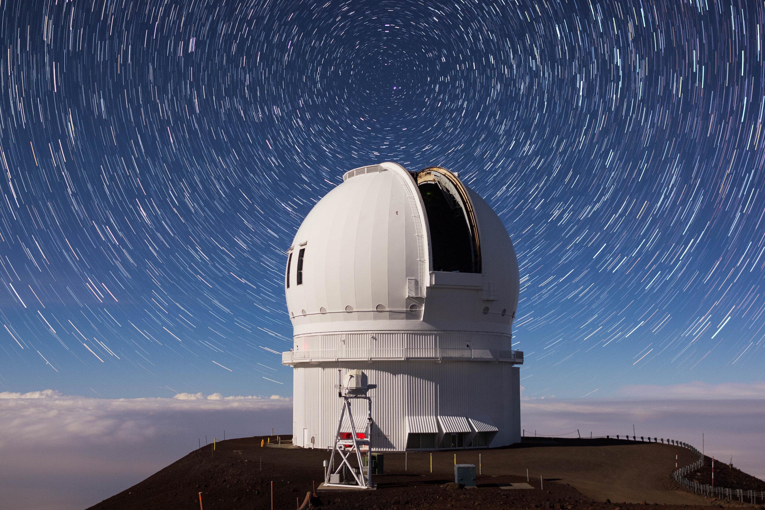 CFHT Star Trails 2.jpg