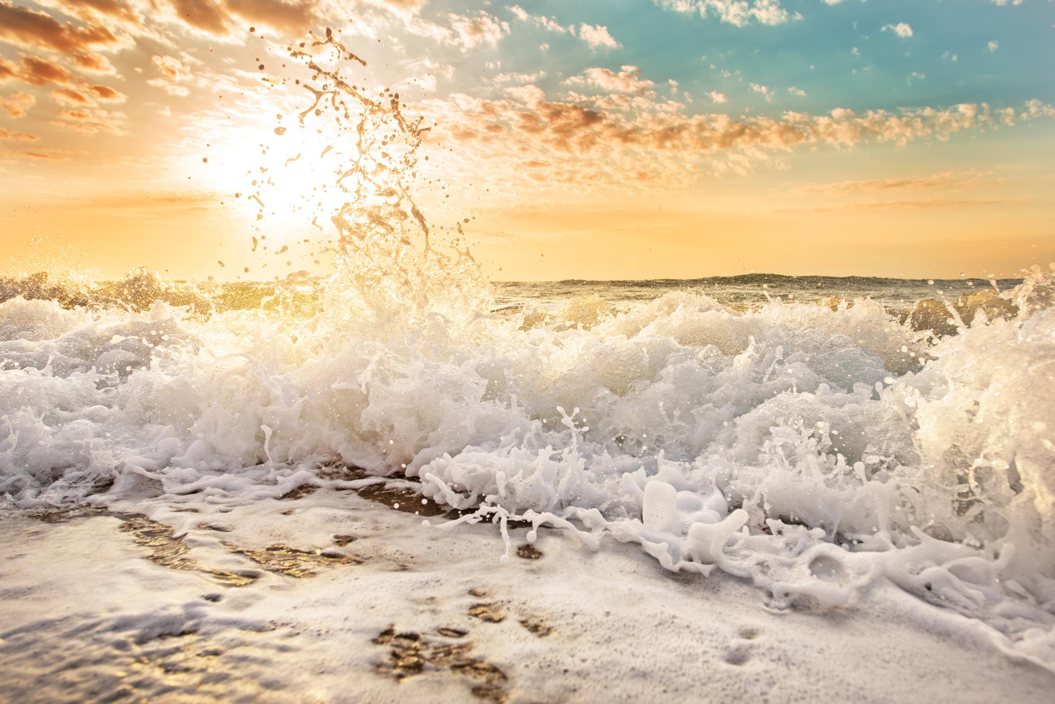 Wave crashing.jpg