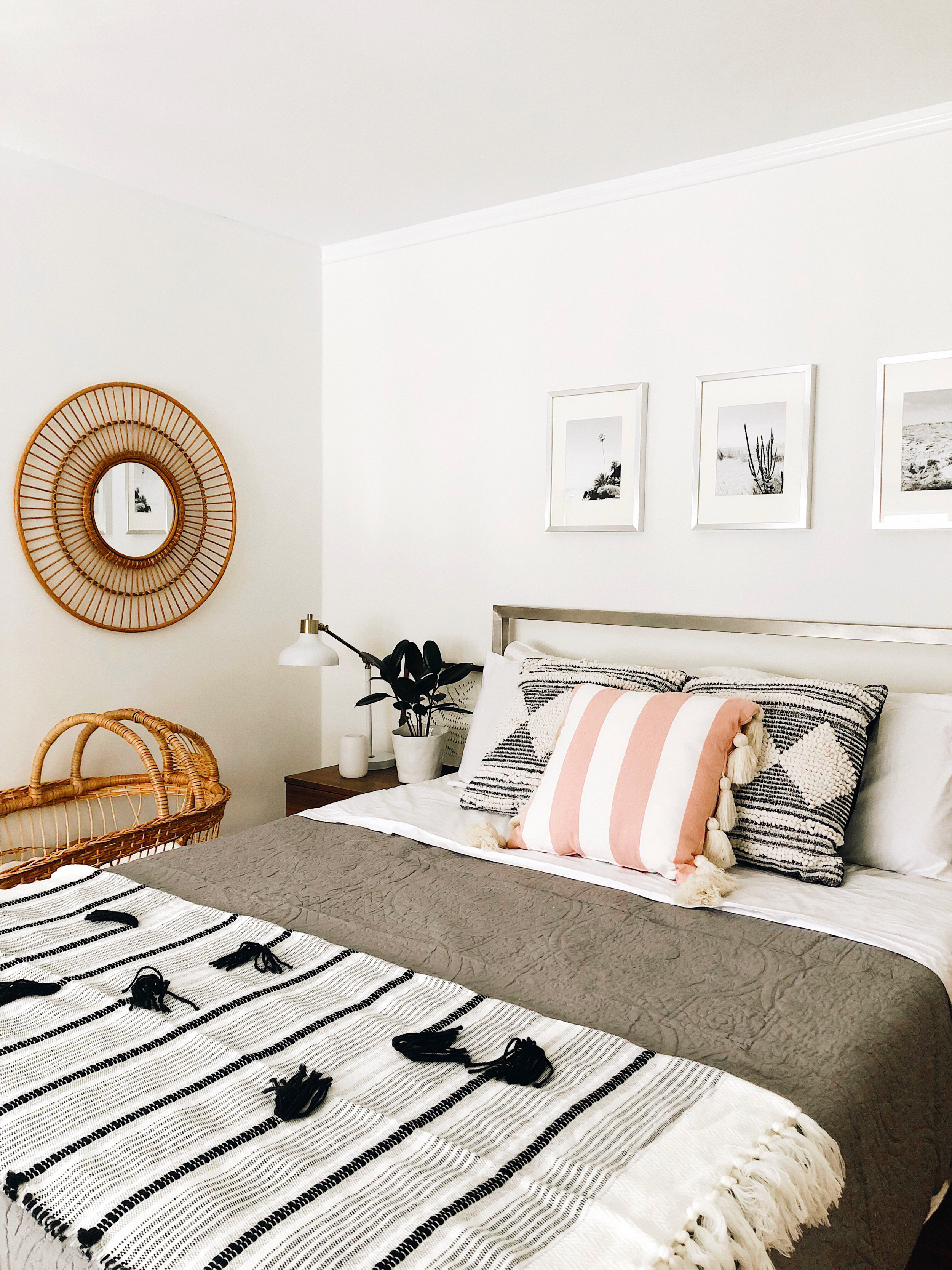 Striped Tassel Pillow     Black and White Pillows    Quilt  here