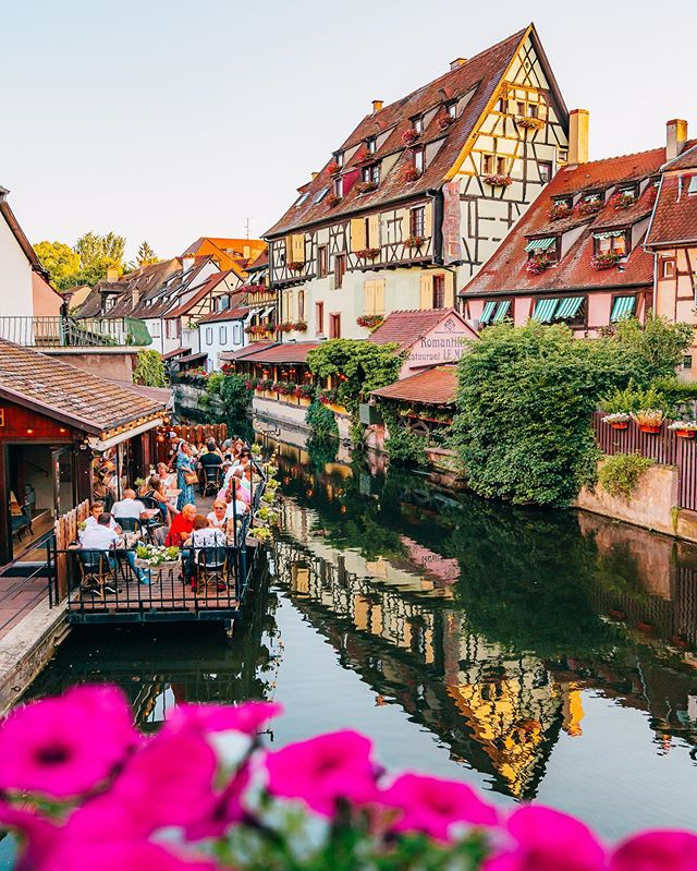 From Colmar with love 💕 Another famous view you can stumble on while walking along the canal in Colmar ! Pretty hard to get a more picturesque view than this ! Definitely worth a visit if you are coming to France soon ! #colmar #alsace