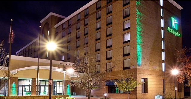 Coming from out town? Seeking a great stay for the show next weekend?! We're so excited to point you in the direction of the Holiday Inn in downtown Lynchburg directly across from @attheacademy 🎉  Visit www.centralvirginiafashionweek.com to book your stay today! Use code CVF for special savings at checkout! 🏨