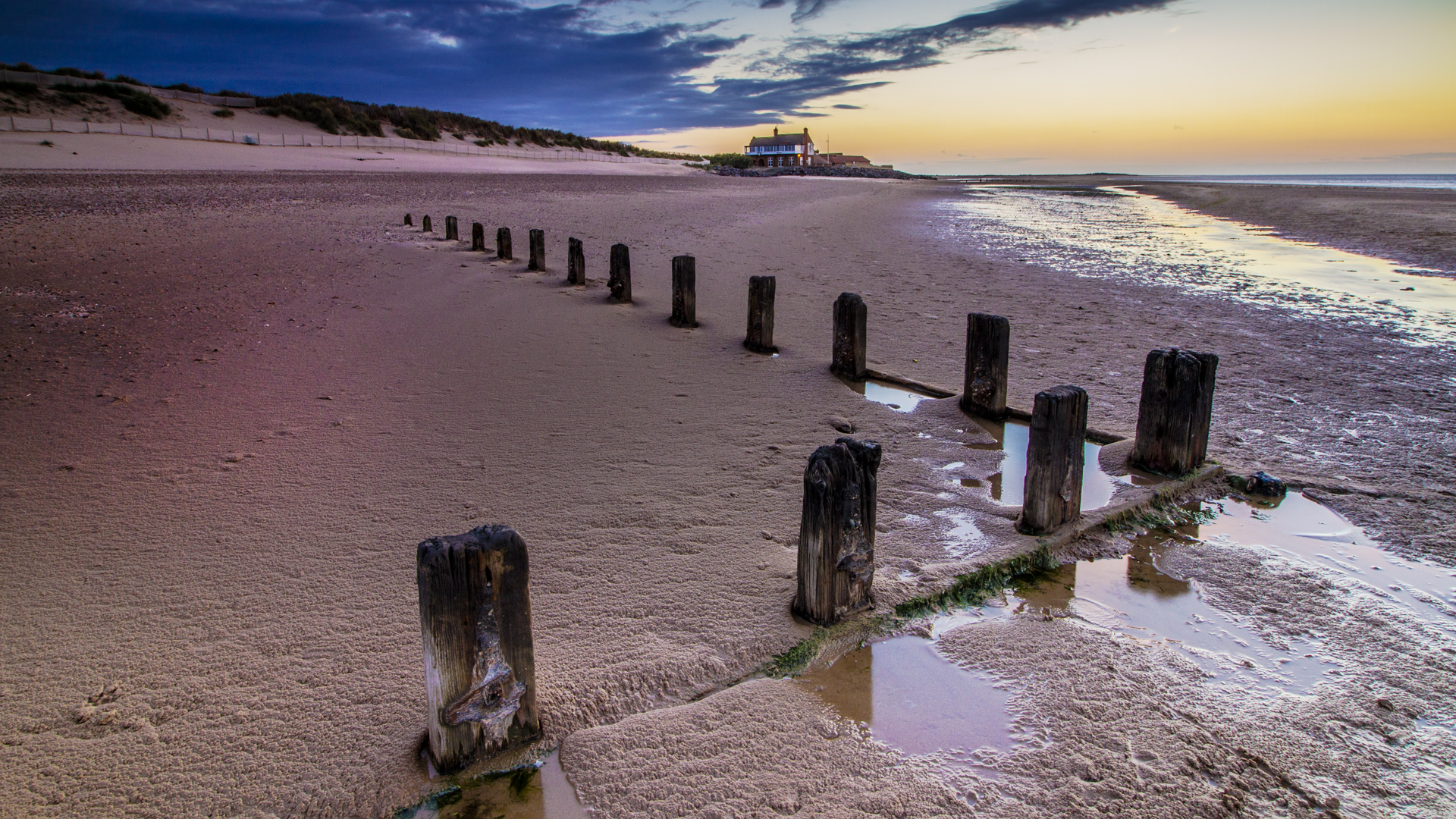 Brancaster Beach 1920x1080.jpg