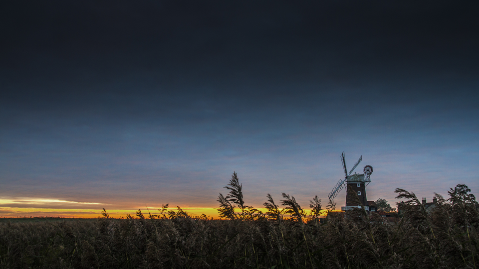 Cley Windmill First Light 1920x1080.png