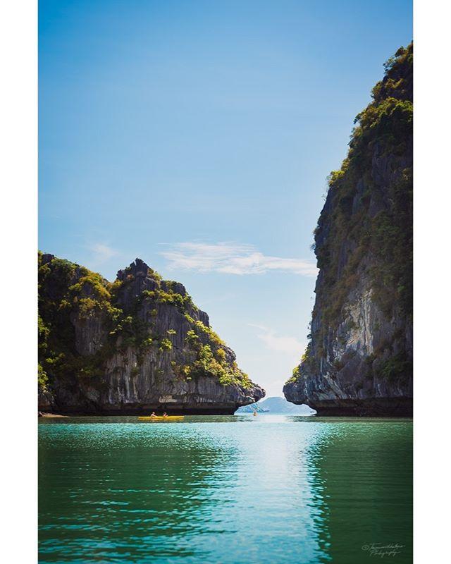 Cayaking Halong Bay, Vietnam, 2018. #VisitVietnam #Vietnam #Halongbay #cayak #exploretocreate #exploretheworld #ourplanetdaily #wanderlust #disocoverearth #nikon #nikonshooters #nikonartists #picoftheday #instatravel #travelstoke #travelgram #traveling #travelphotos #explorevietnam #worldtraveler #travelasia #passionpassport #lpfanphoto #lonelyplanet #mylpguide