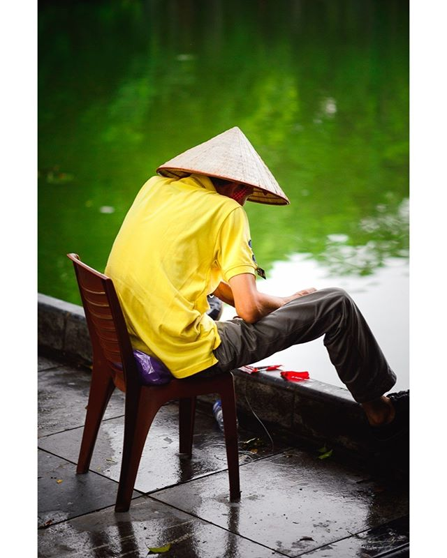 A fisherman in Hanoi. Summer 2018. #fishing #Hanoi #ourplanetdaily #nikonshooters #nikonartists #travelgram #instatravel #vietnam #travelstoke exploretocreate #streetphoto #streetphotocolor #vietnamcharm #vietnamlife #lonelyplanet #culturetrip #passionpassport #wanderlust #discovervietnam #wandertheworld #mytinyatlas #theglobewanderer #destinationearth #tourtheplanet #travelawesome #discoverearth #welivetoexplore