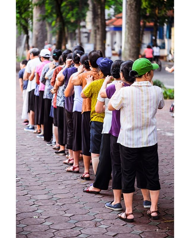 One morning in Hanoi. Summer 2018. #Hanoi #ourplanetdaily #nikonshooters #nikonartists #travelgram #travelholic #instatravel #vietnam #travelstoke #exploretocreate #streetphoto #people_infinity #peopleoftheworld