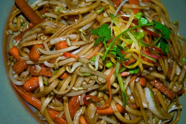 Vegetable Lo Mein with Tofu (sub for rice or rice noodles).