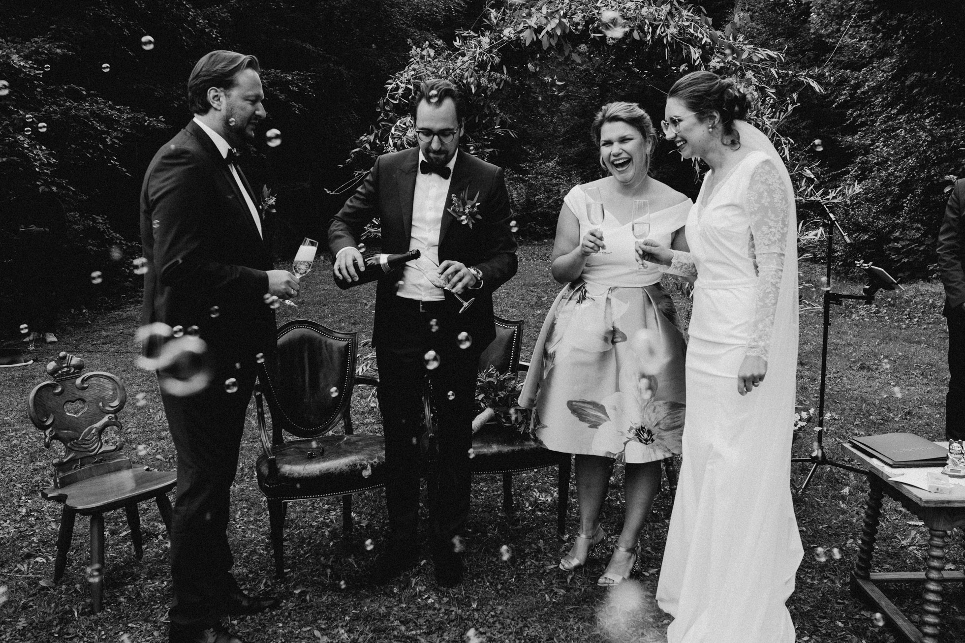 Hochzeit_Claire_Manuel_Villa_Maund_Daniel_Jenny-244.jpg