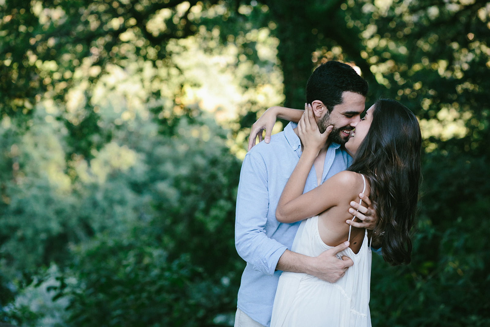 Porto Wedding Photographers. Destination wedding in Porto and the Douro Valley shot by Oceânica Photography.