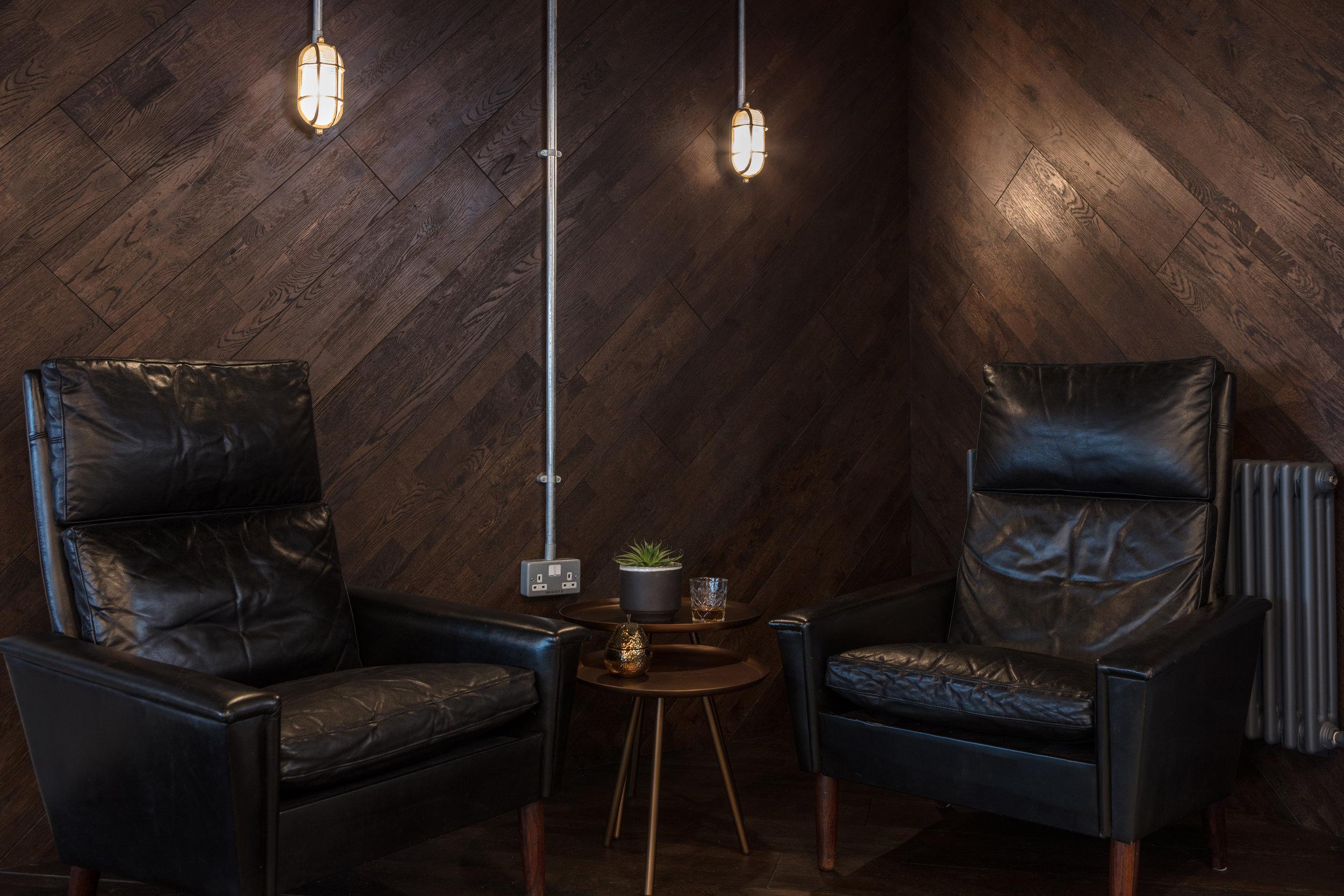 vine-club-loungers.jpg
