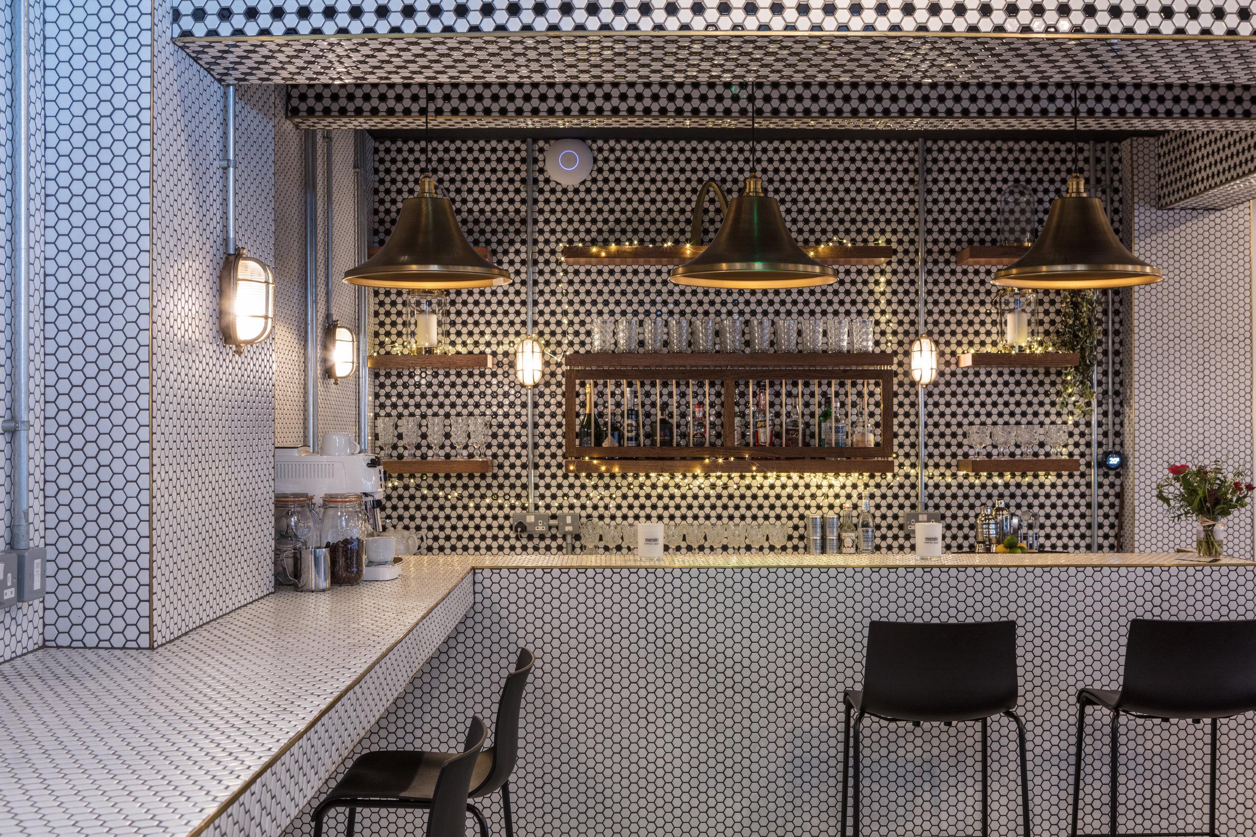 vine-club-bar.jpg