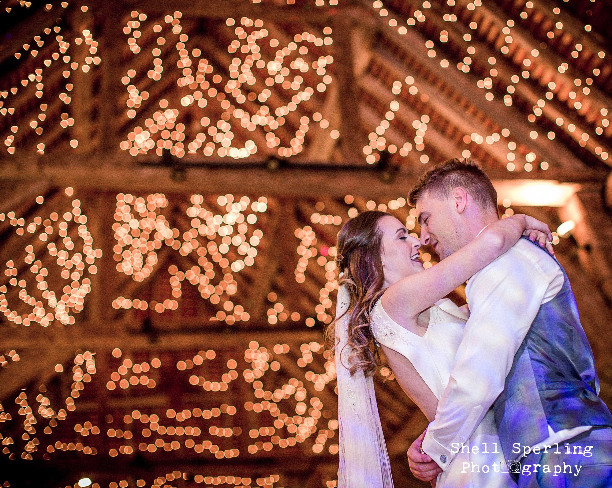 Shell Spirling Photography (instagram shell_sperling_weddings; facebook Shell Sperling Photography)