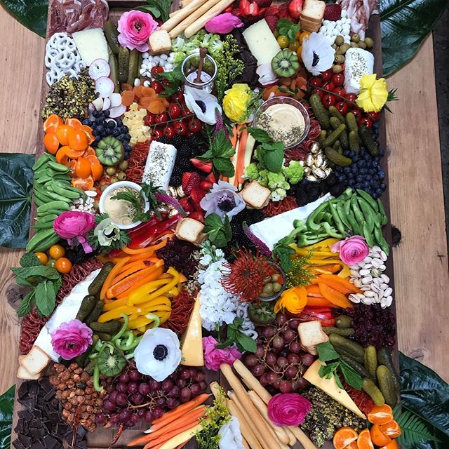 Prettiest wedding boards for the prettiest bride! @allisonmaydoney  ___________ #cheeseboard #foodie #cheese #cheeseplate #igfood #charcuterie #goopmake #thatsdarling #darlingweekend #marthafood #latimesfood #fromage #cheeselover #f52grams #thatcheeseplate #weddingfood