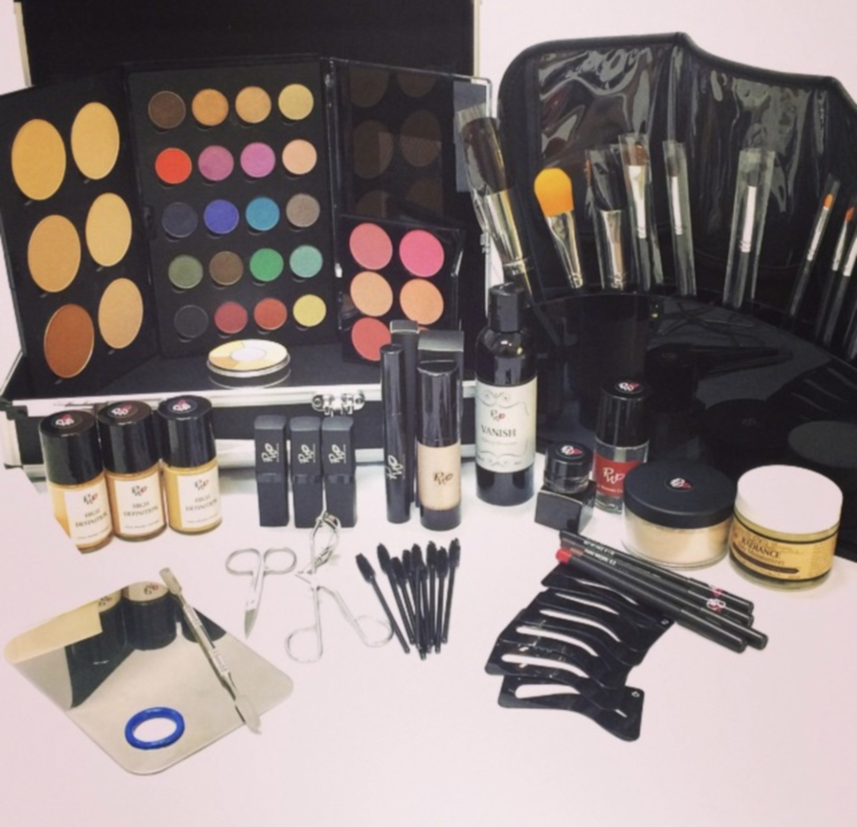 Professional Makeup Kit from Pretty Woman Cosmetics. We ensure that our students are equipped with the Pro Artist Makeup Kit to get them started in the industry.