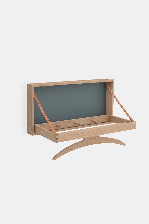 Klassik Studio Hanger - Soaped Oak/Blue