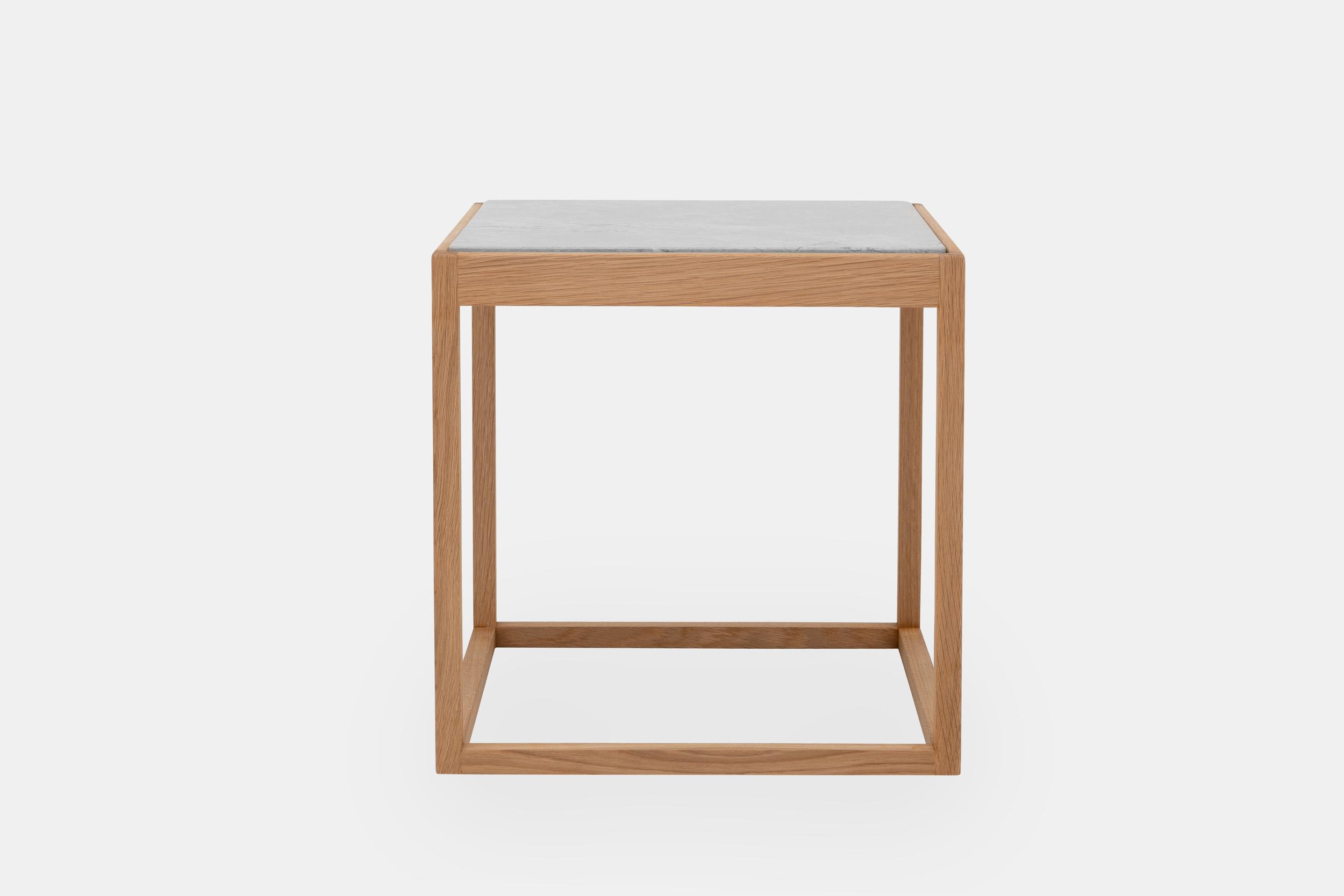 cubetable-oak-light-grey-marble.png