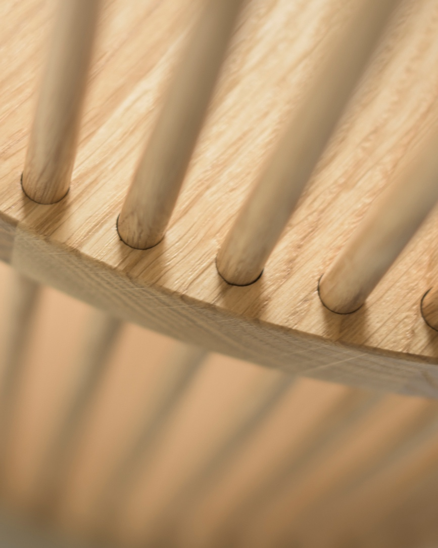 The solid oak rods of the Bastone Cabinet