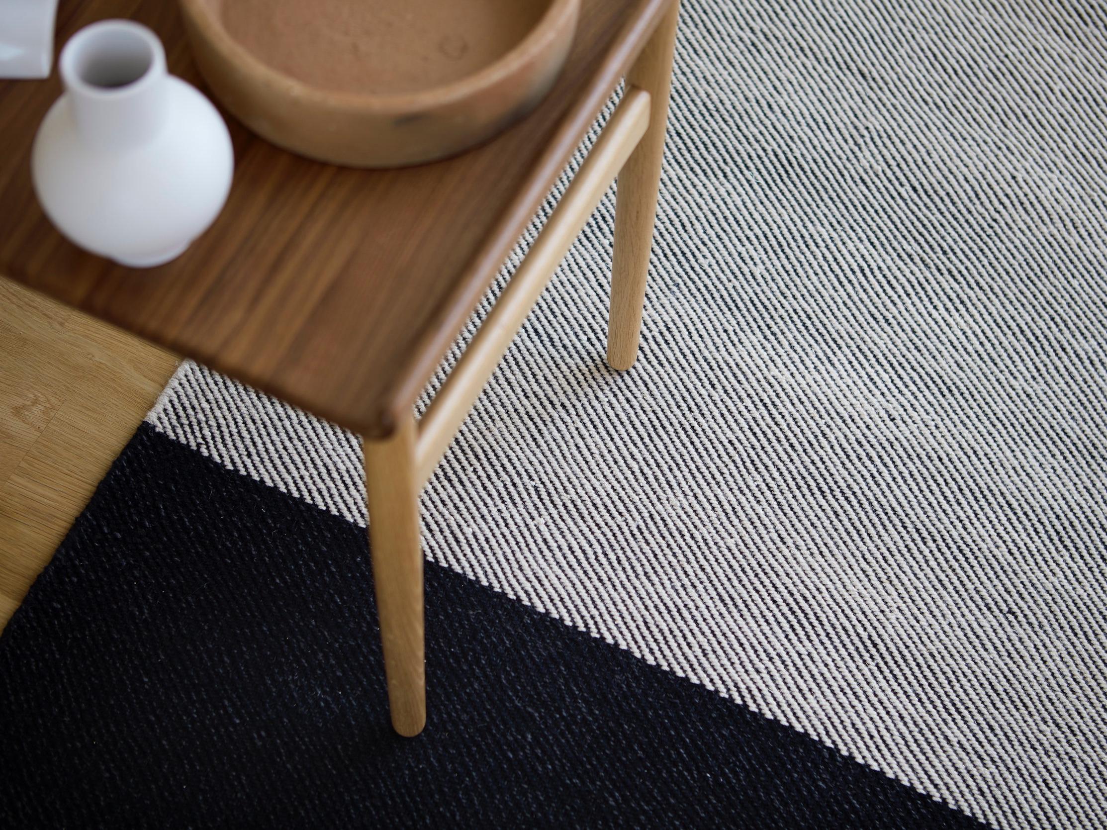Fabula_Primula_Rug_Black_Offwhite_Wool_Linen_Hand-woven_1511_A2_Medium.jpg