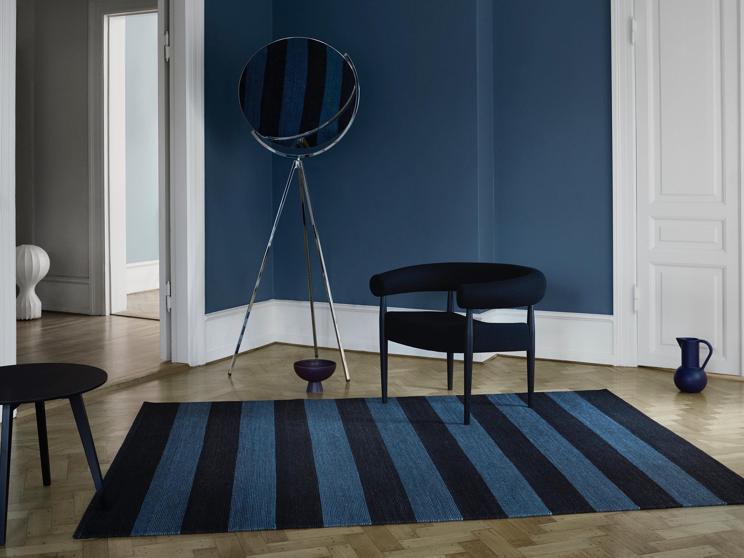 Fabula_Iris_Rug_Black_Blue_Wool_1517_A_Medium.jpg