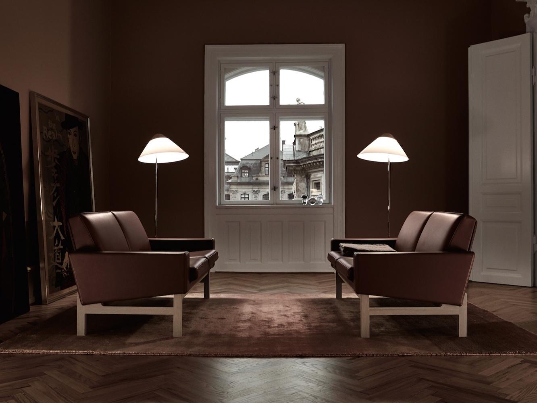 GE_34_GE34_sofa_Getama_Hans_Wegner_Gestalt_NewYork_Lifestyle_2.jpg