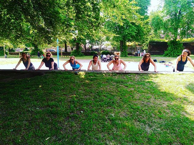 Helllooo ladies .... We have been enjoying some of our classes over on the green the last couple weeks. Taking advantage of this beautiful weather. Why not join us?? We have Muna taking our Monday evening Bootcamp at 7.15pm over on the green. Some daytime classes are also over on the green weather dependant ..... If you see us working out come and say hi 💞