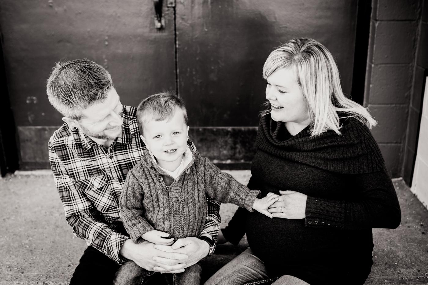 grayfamily_waiting-10.jpg
