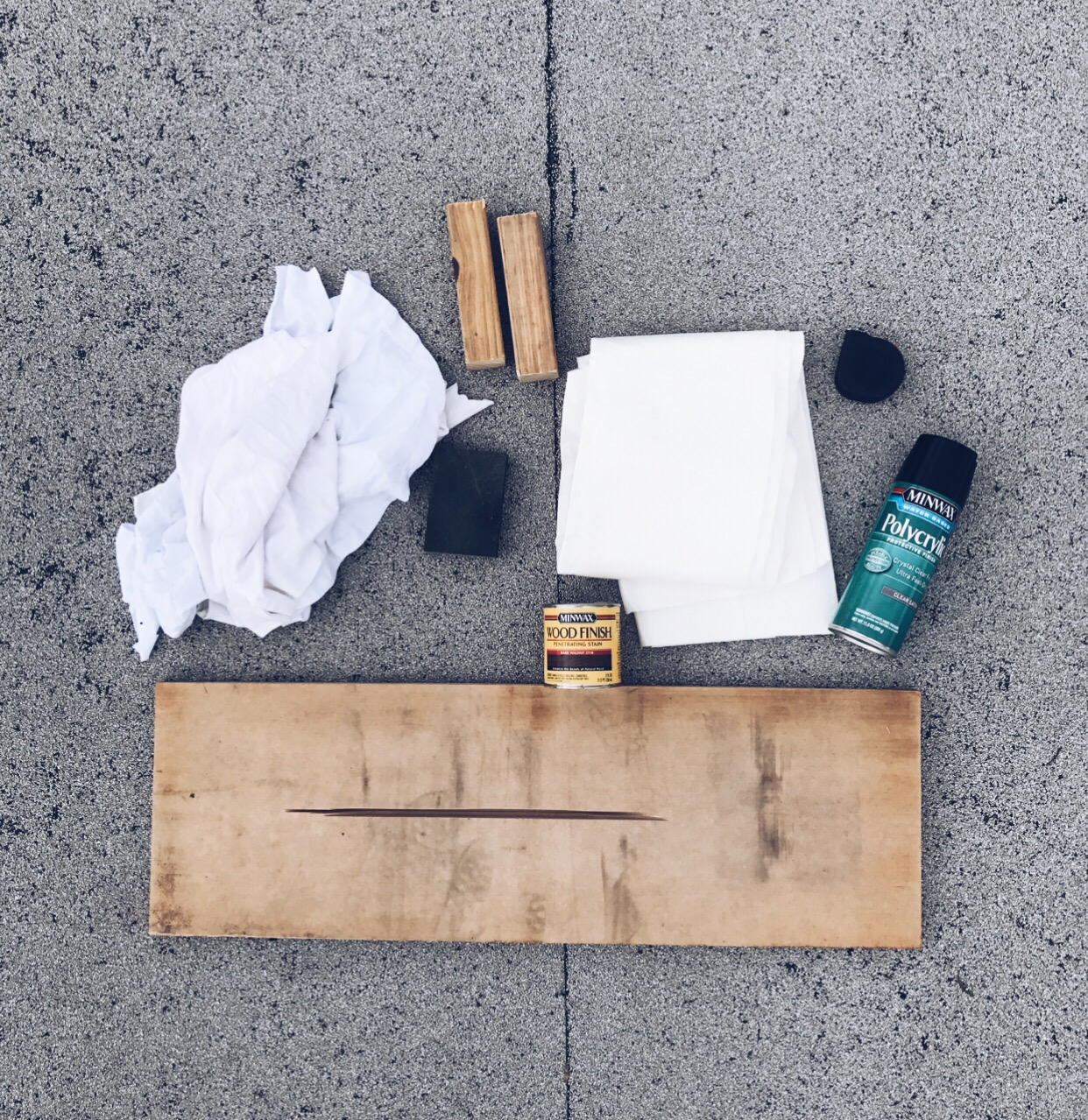 materials used to make bath tray