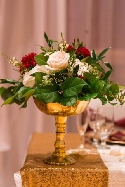 Pedestal-Vase-arrangement.jpg