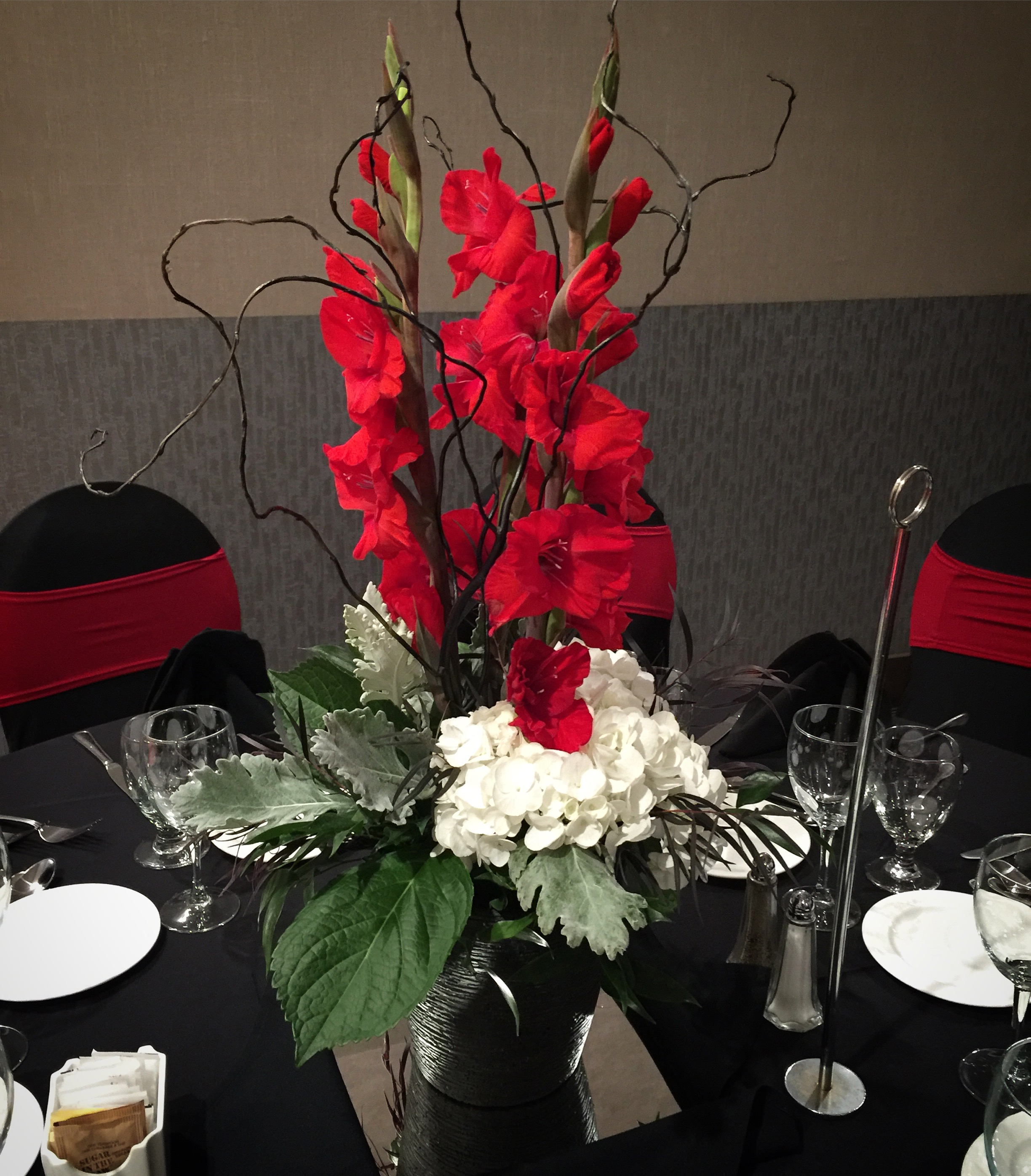 Budget Blooms table center (13).JPG