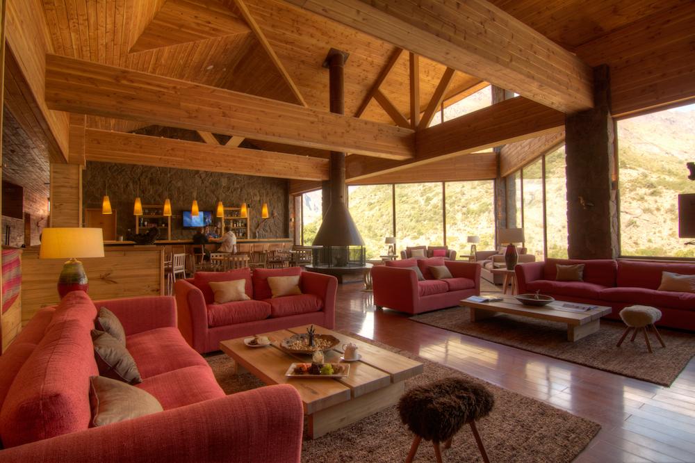 NOI Puma Lodge - Bar - Bar 1.jpg