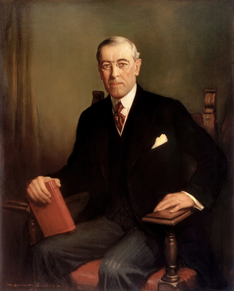 Above : President Woodrow Wilson signed the Standard Time Act into law on March 19, 1918. He then vetoed two laws repealing the daylight saving provision during the 66th Congress. The second veto was overridden and the provision was repealed on August 20, 1919.