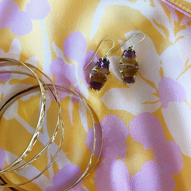 Florence look ✨ . 18k Gemini earrings in Ametrine