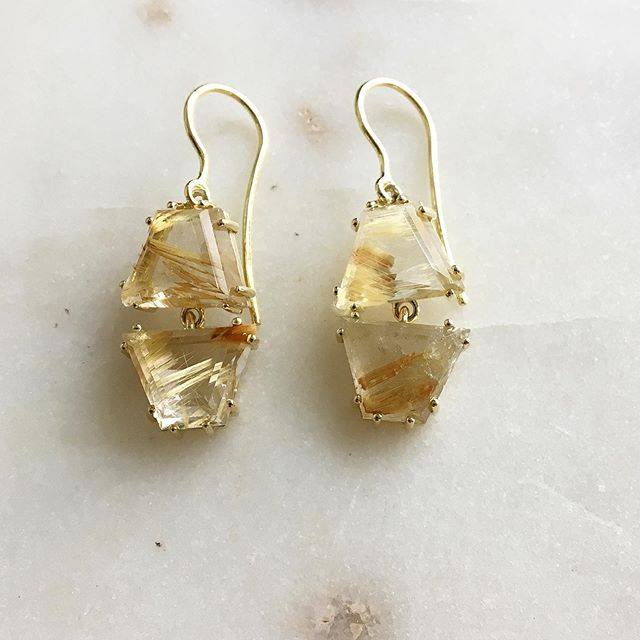 Gemini earrings with custom cut rutilated quartz gemstones set in 18k gold . . . These are sold, dm if you're interested!