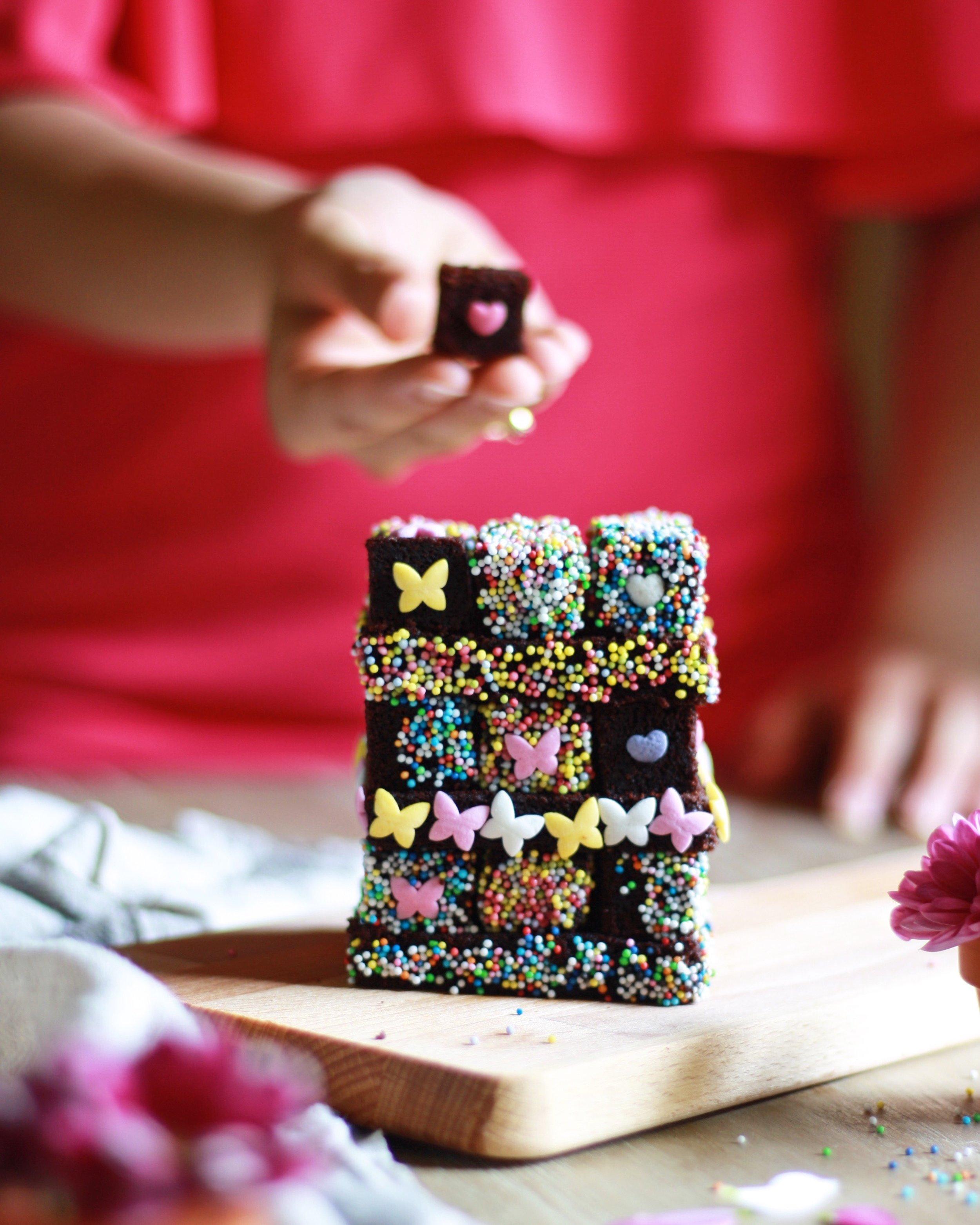 Gateau au chocolat en forme de Rubik's cube - Lumière naturelle - Canon 1000D, objectif Canon 50 mm F/1.8 - Juillet 2017