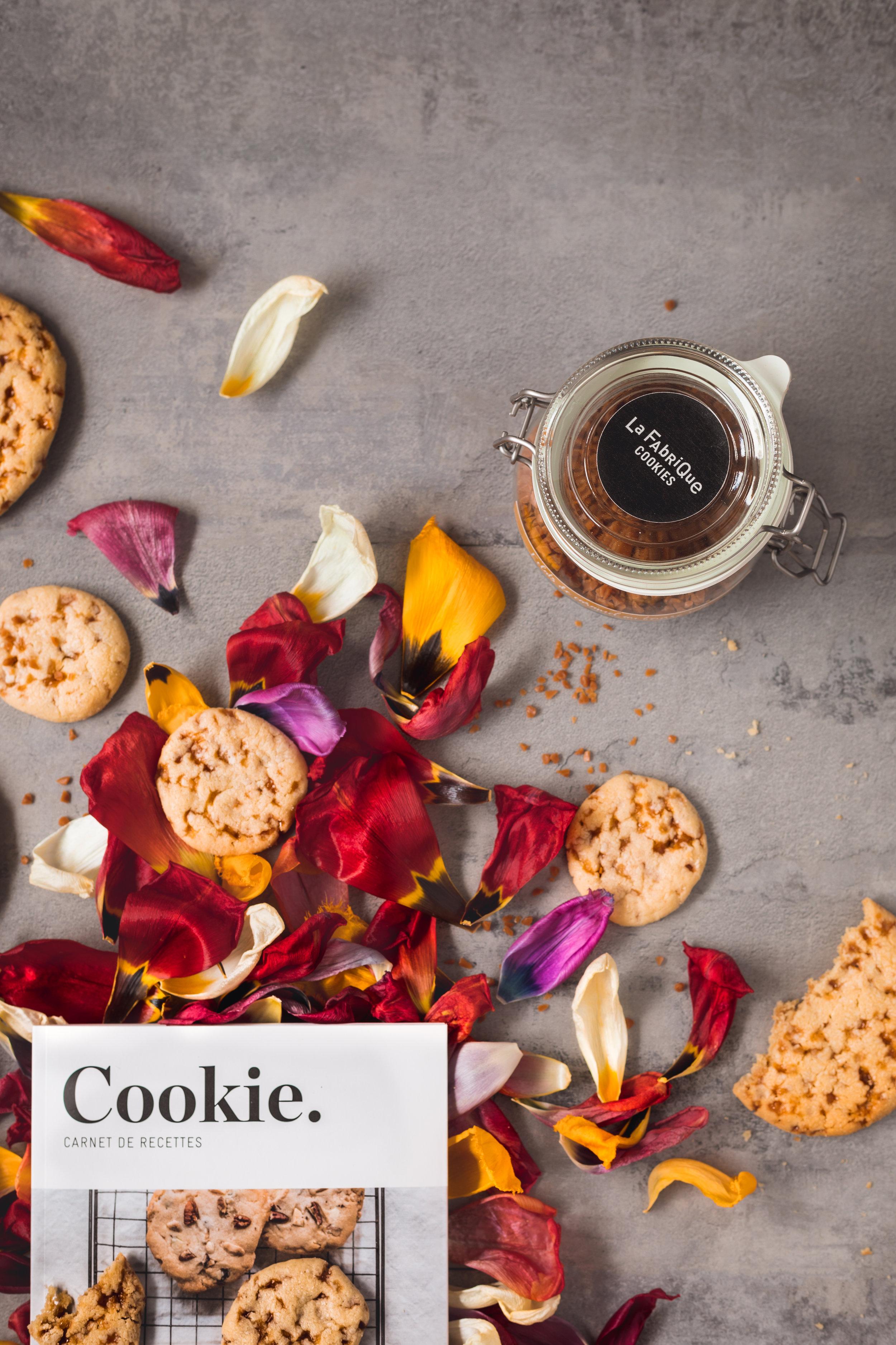 Cookie : carnet de recettes et éclats de caramel en bocal - La Fabrique cookies