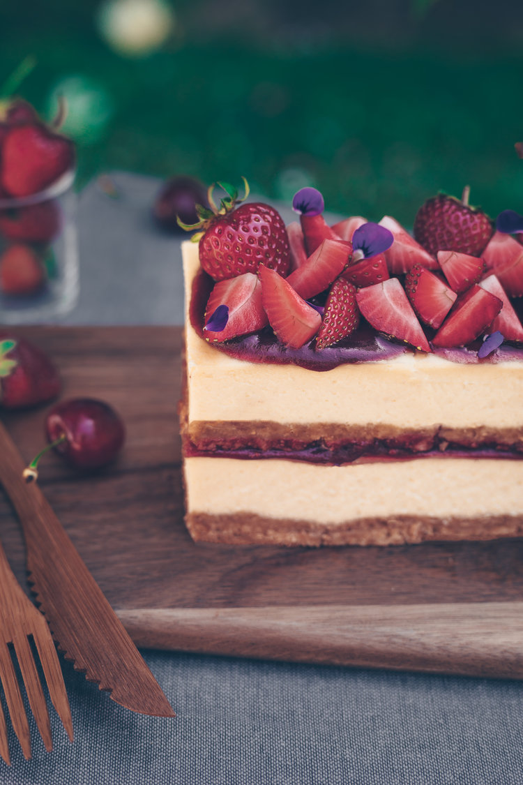 Berries creamy cheesecake - new presentation way