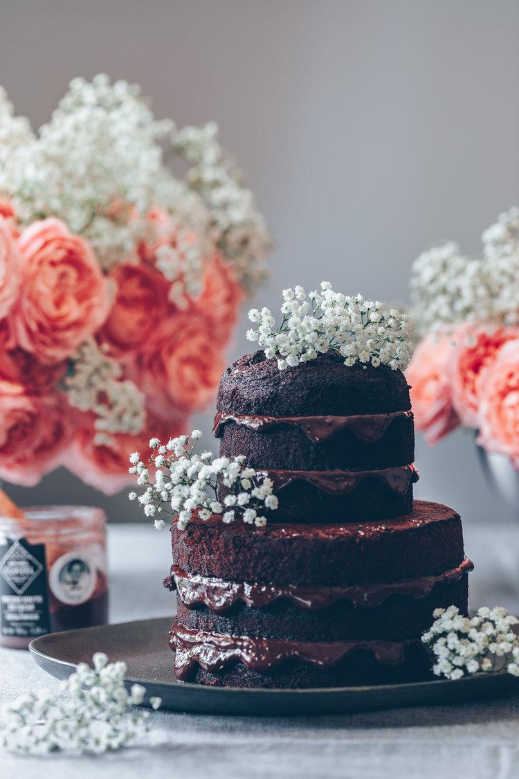 Mini wedding chocolate cake