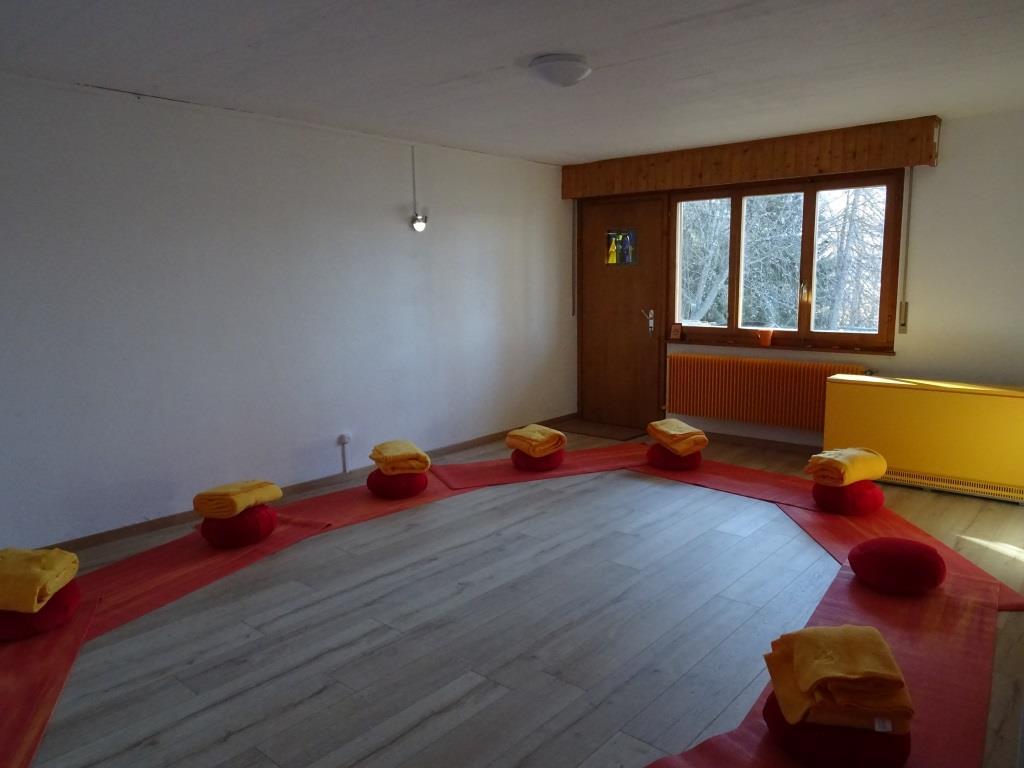 salle sémine entrée.JPG