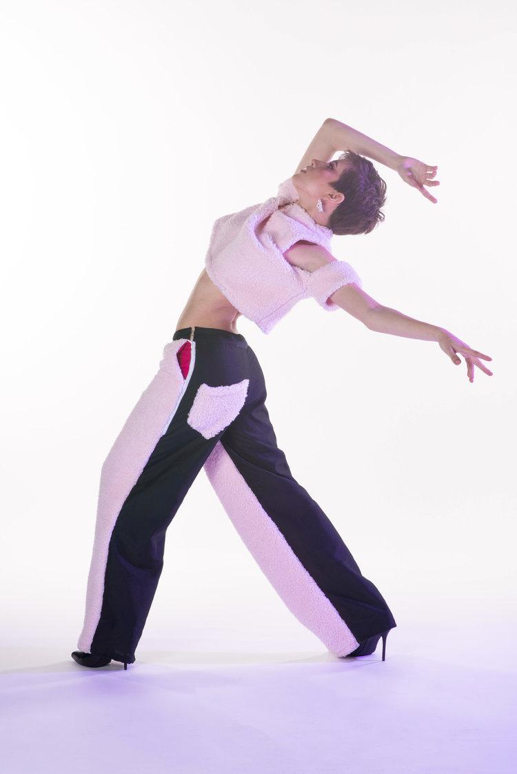 BRIE-sporty, comfortable, simple - Open Shoulder Crop Top (polyester fleece)Pink & Black Hybrid Pants (black polyester, fleece)