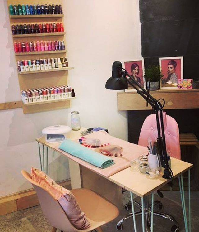 How cute is this! Polished is officially open... see you Monday morning 🙌🏻💅 #booknow #polished #vhs #instanails #nailenvy #acrylic #gel #shellac #glitter #ombre #manicure #pedicure #creative #open #summernails @polished_vhs