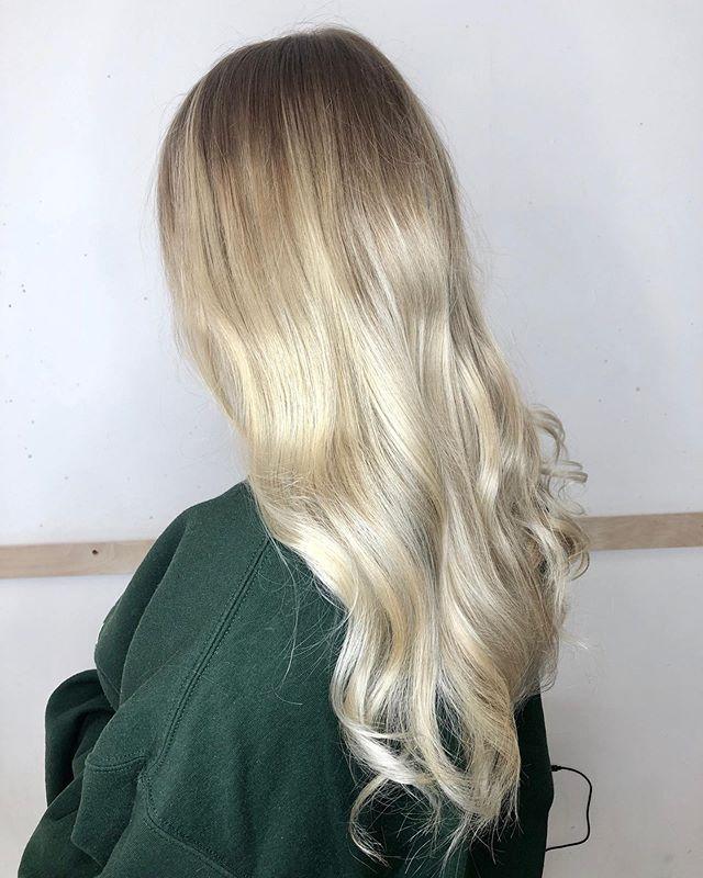 Blonde Ambition 😍 #blonde #longhair #hairnevy #hairofinsta #hairoftheday #hairsalon #booknow #summerfeels #summervibes  @samcarpenterofficial