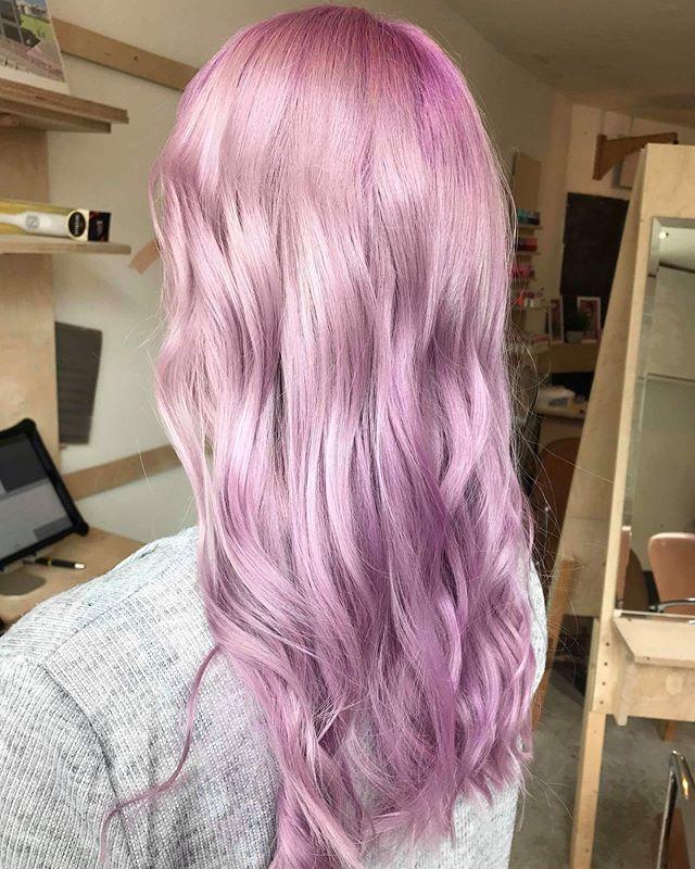 Lilac dreamin @laurmorris_ #lilac #prettypastel #pastel hair #hairoftheweek #hairofinsta #vhs #teamvhs #dreamteam #bespoke #creative #booknow
