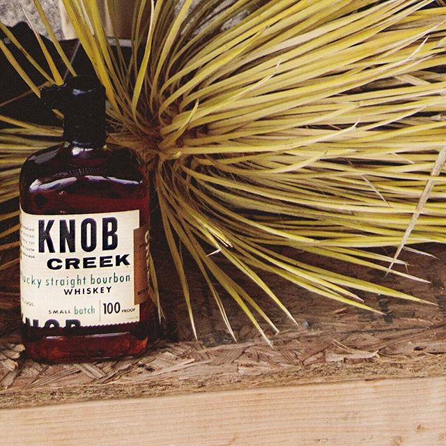 It's cocktail hour! Huge thanks to @knobcreek for their generous donation to our event! The Old Fashioneds were a crowd favorite! 🥃