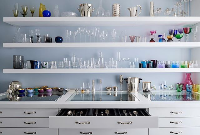 """""""The Tabletop Whisperer"""" — we couldn't have described @kneenandco Founder and CEO @maryjeannekneen better ourselves! In a recent piece for @businessofhome, Mary Jeanne says, """"You can have the most beautiful home in the world, but the accessories and tabletop are the icing on the cake—you can't have a beautiful kitchen and then pull out a mug you've had since college."""" Read more at the link in our bio! #JCclientlove [Photo: @bobcoscarelli]"""