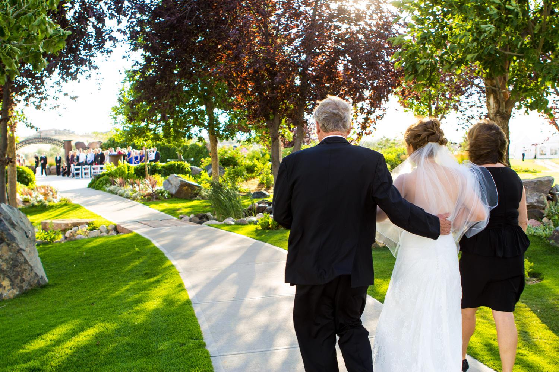pelican-lakes-weddings-windsor-tomKphoto-020.jpg