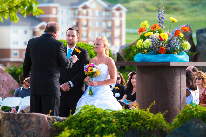 pelican-lakes-weddings-windsor-tomKphoto-060.jpg