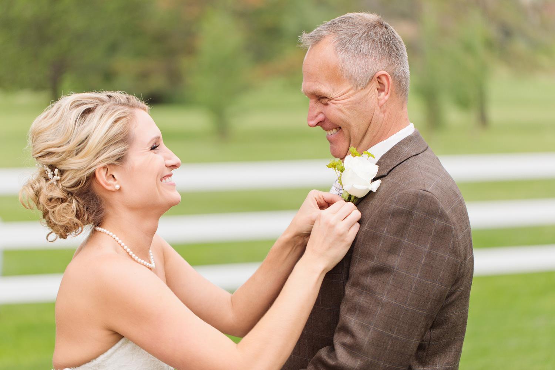 barn-at-raccoon-creek-wedding-photographer-007.jpg