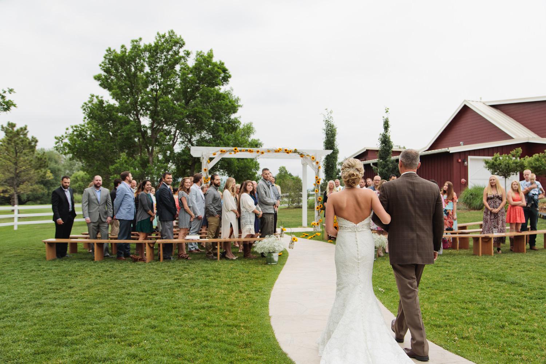 barn-at-raccoon-creek-wedding-photographer-018.jpg
